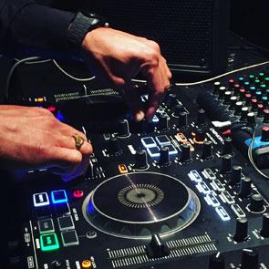 DJ LAYA