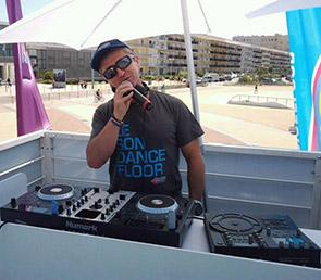 DJ CHRISMAZ